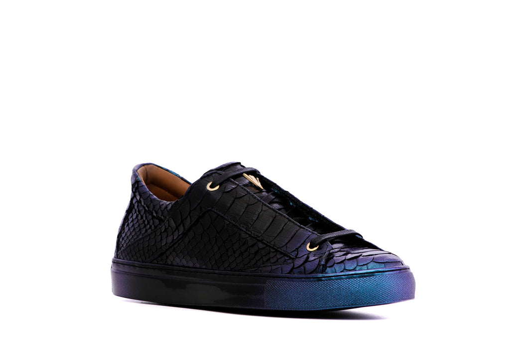 Vinceo Vinceo Vinceo gold sneakers, black sneakers, luxury sneakers, low top sneakers, runners, versace sneakers, vinceo, vinceo brand, vinceo collection, balenciaga sneakers, gucci sneakers, new collection, bahama sunset, bahama, sunset print sneakers, slip-on shoes, slip-on, slip-on sneakers, burgundy shoes, croc print, crocodile leather, leaopard print sneakers, pony hair sneakers, animal print, animal print sneaker, vinceo vinceo, gold low top sneakers, metallic sneakers, gold sneakers, high top sneaker