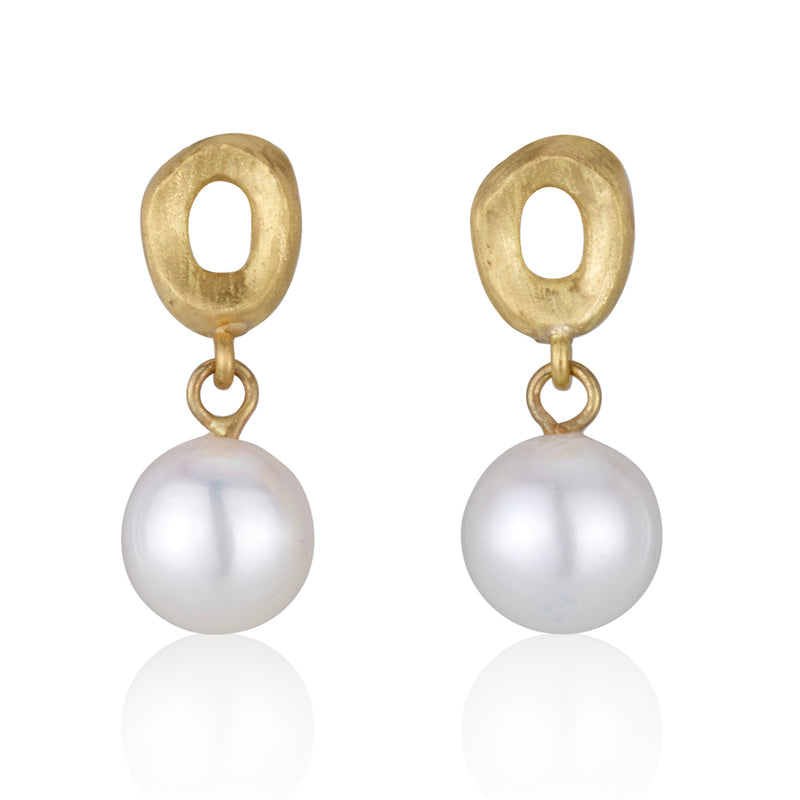 Nature inspired dainty pearl earrings