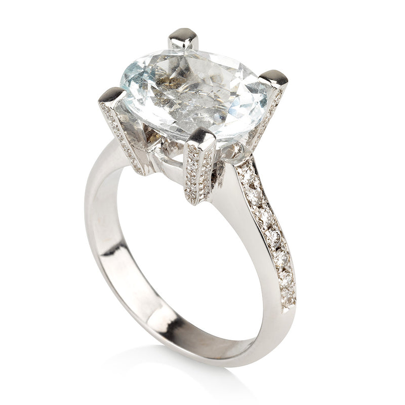 Royal Aquamarine oval solitaire ring with diamonds