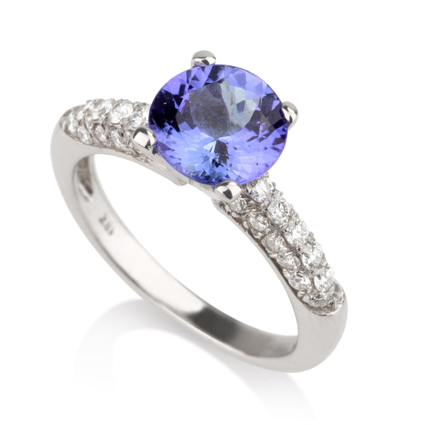 Classic solitaire ring with diamond pave and Tanzanite