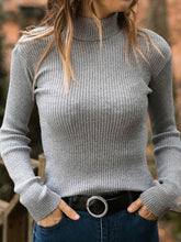 Load image into Gallery viewer, Women Solid Knitted Top