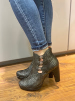 Load image into Gallery viewer, Jose Saenz - Black Crocodile Pattern Classic Ankle Boot
