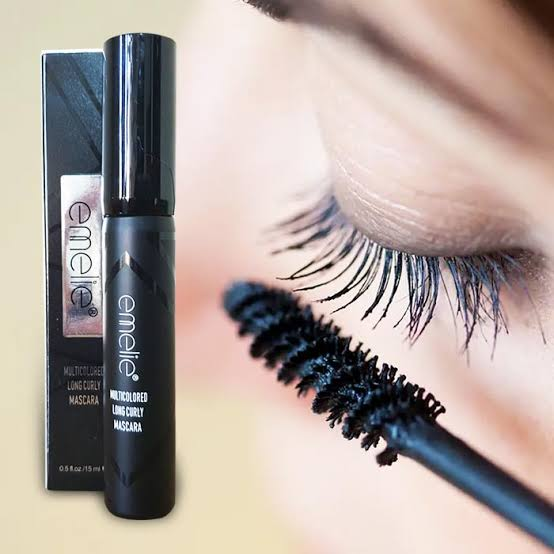 Emelie mascara for long lasting curly eyeshadow