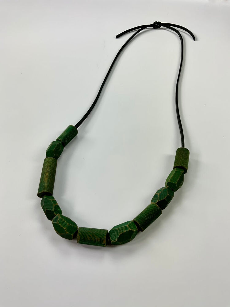 Load image into Gallery viewer, green necklace no. 1