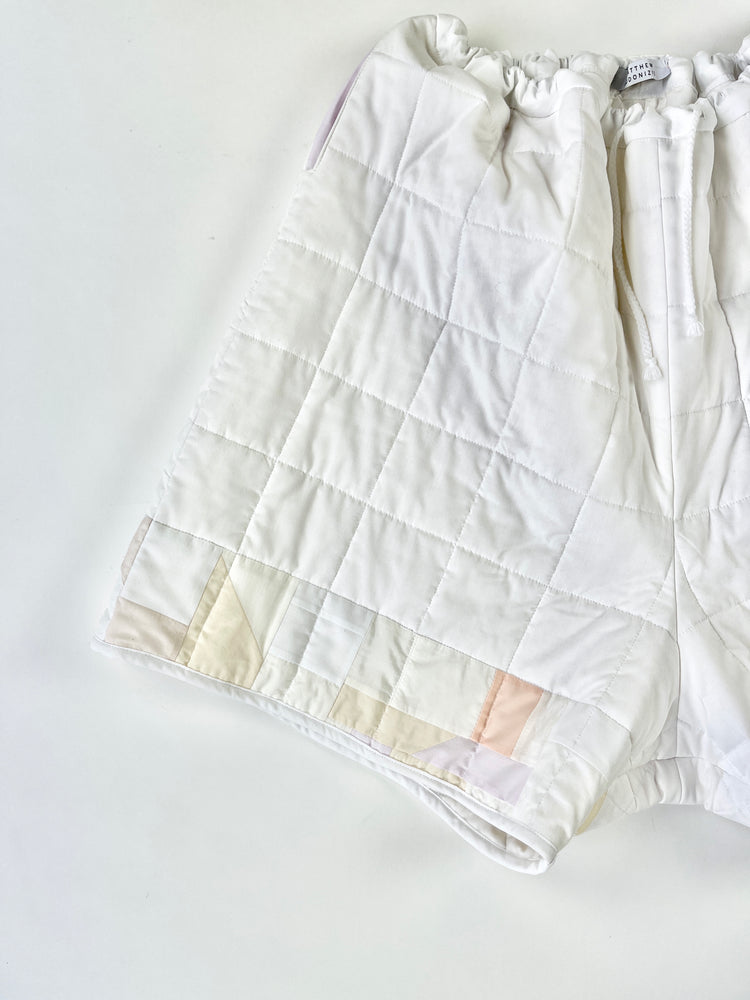 Load image into Gallery viewer, cloud quilted shorts
