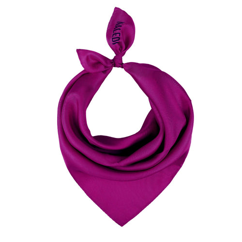 SIMPLY SILK. Tis scarf is a perfect accessory that fits with everything. Wear it around your neck, on your hair or tied at your handbag. 5% of the price of the scarf is donated to Lazarro Spallanzani Hospital in Rome for research on Covid-19.   Colour: Fuschia  Pure silk   Made in Italy  40x40cm approximately