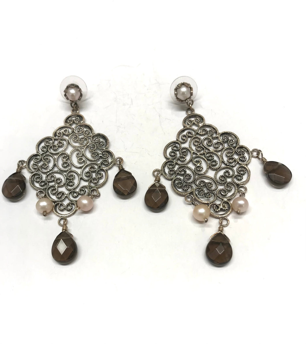 Filigree earrings with Topaz and pearls