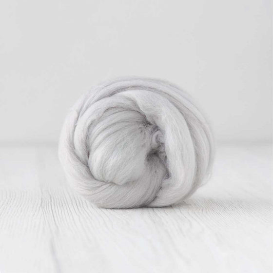 pastel grey cloud merino roving