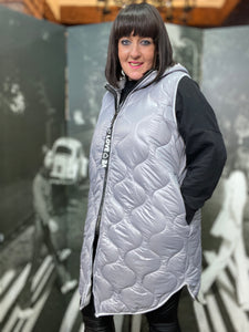LOVE Quilted Gillet Curve- Dove Grey