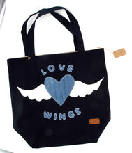 "Lade das Bild in den Galerie-Viewer, Shoppertasche mit Flügel ""Love Wings"""