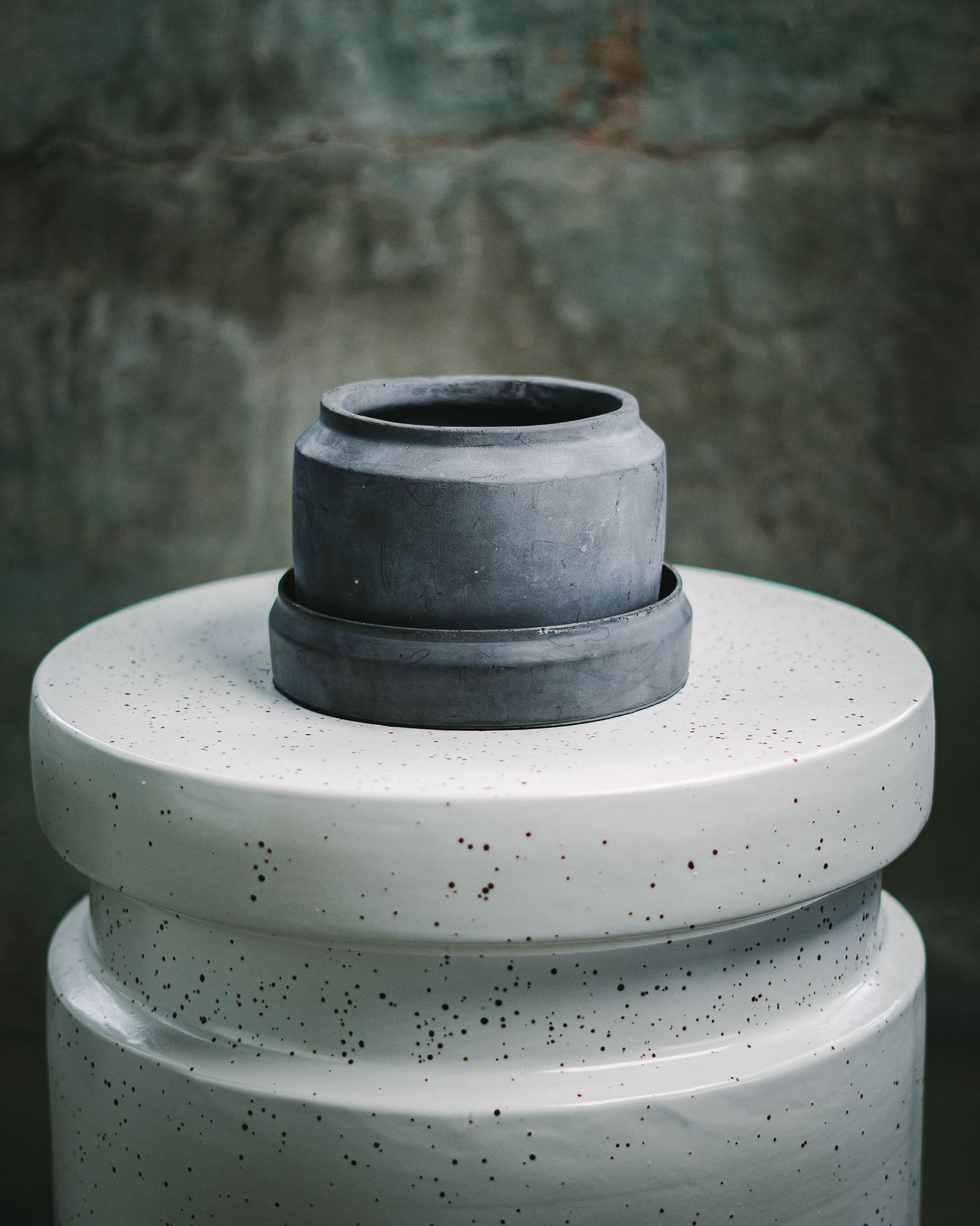 SI'MENTO Vase Grey w/ Drainage Plate