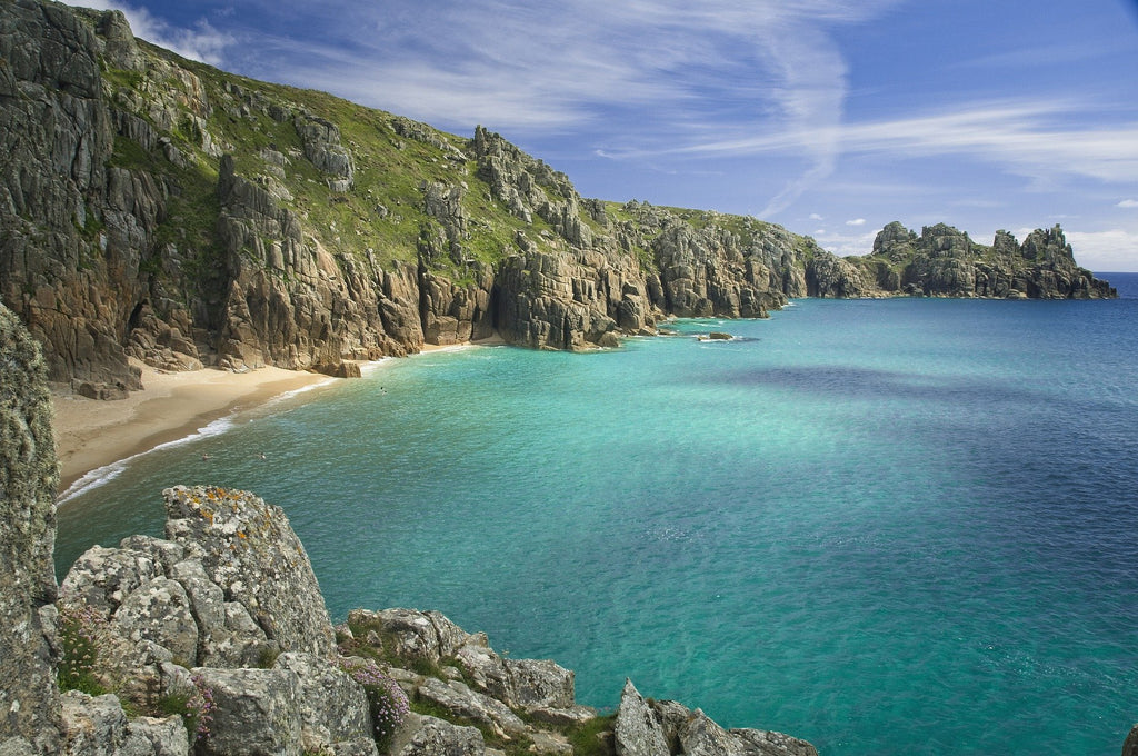 The beautiful cornish coast makes for a great place to visit in the summer and a great holiday destination for the whole family