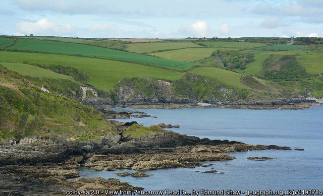 The beautiful Lantivet Bay on the cornish coastline is a must visit for any landscape photographer or person after a walk
