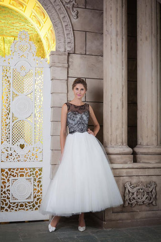 The retro style Dulcie wedding dress