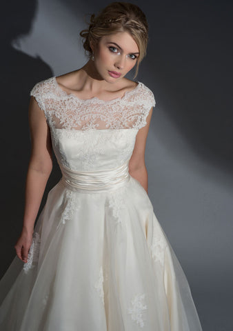 Tea length retro style wedding dress