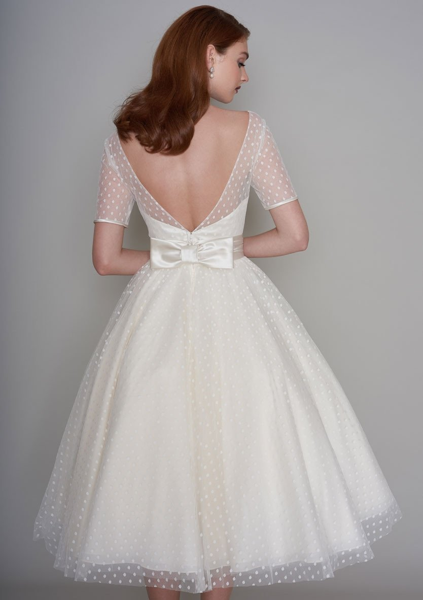 Classic 1950 39 s style tea length wedding dress for Wedding dresses 1950s style