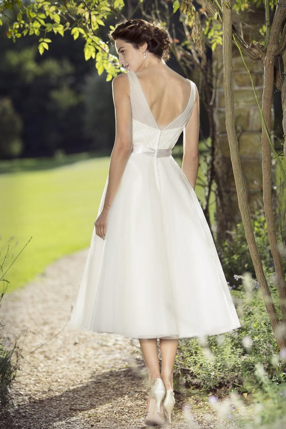 tb-doris-s  Fifties style wedding dress with sweetheart neckline