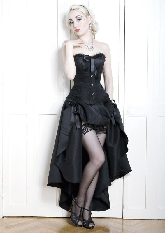 fgm-chicago Long burlesque style skirt with adjustable ribbon ties.