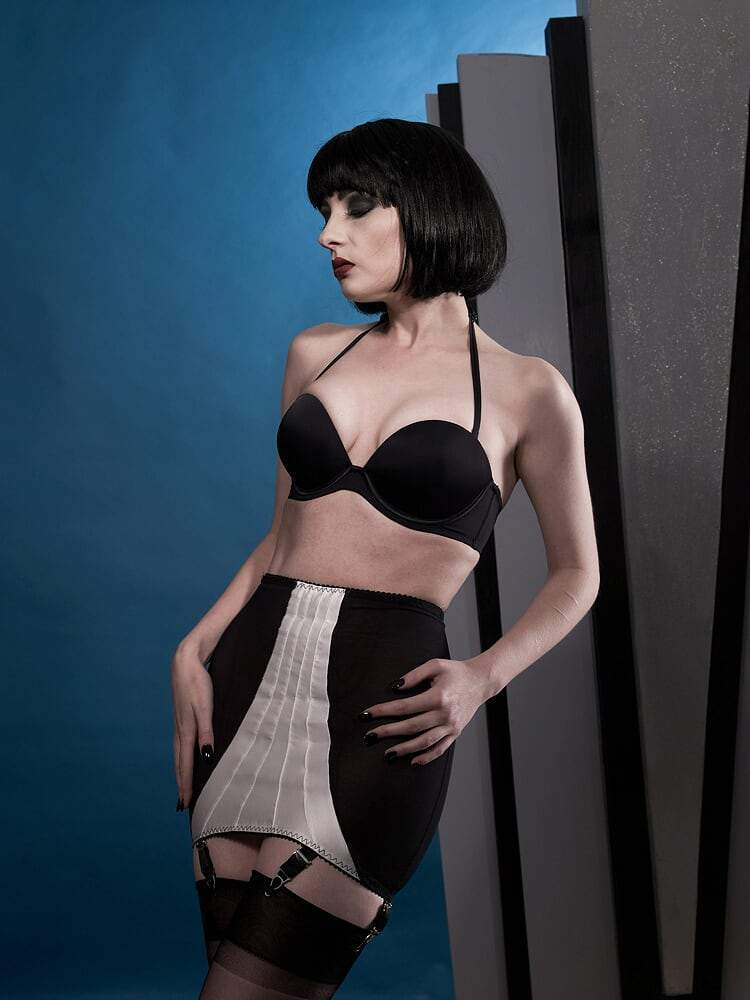 Powermesh girdle in Black with Ivory front panel
