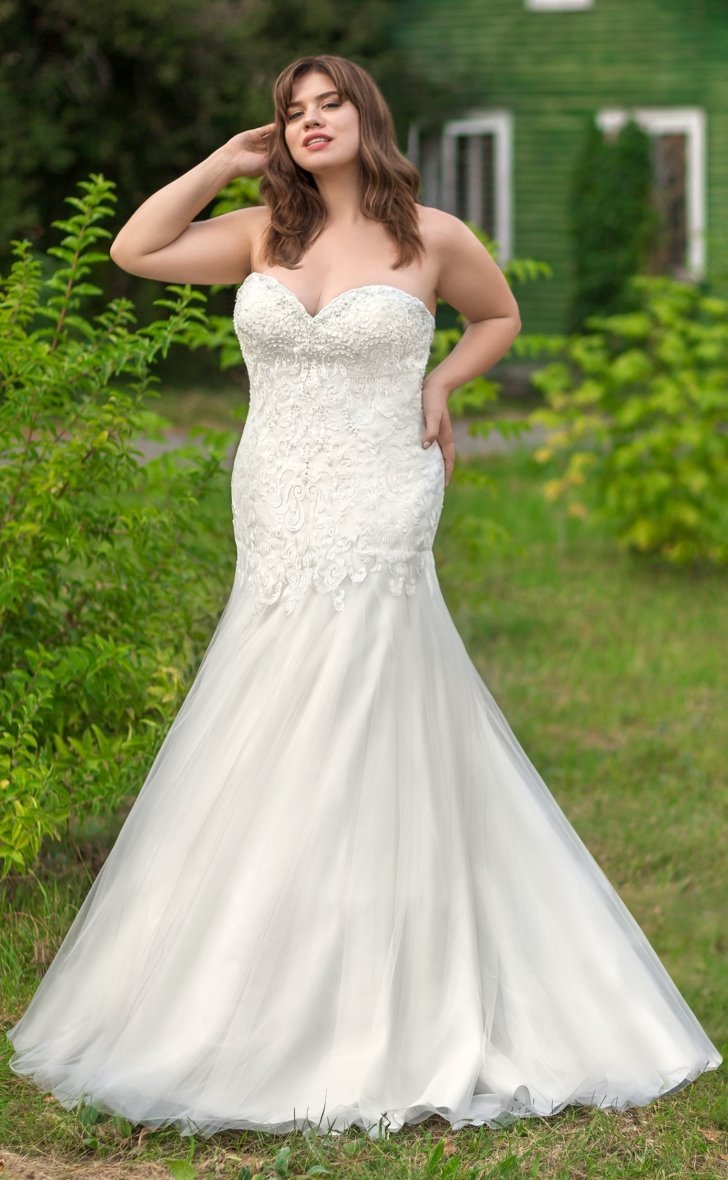 gi-eliza-r  Ivory fit and flare strapless bridal gown