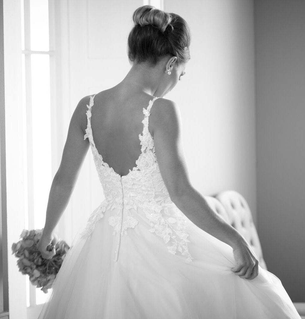 hn-molly Super soft tulle and lace applique wedding gown