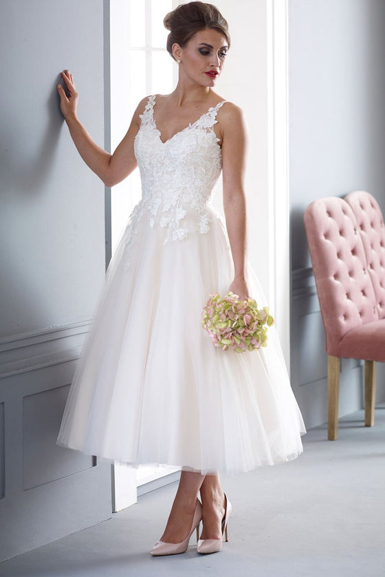 hn-molly-r  Super soft tulle and lace applique wedding gown