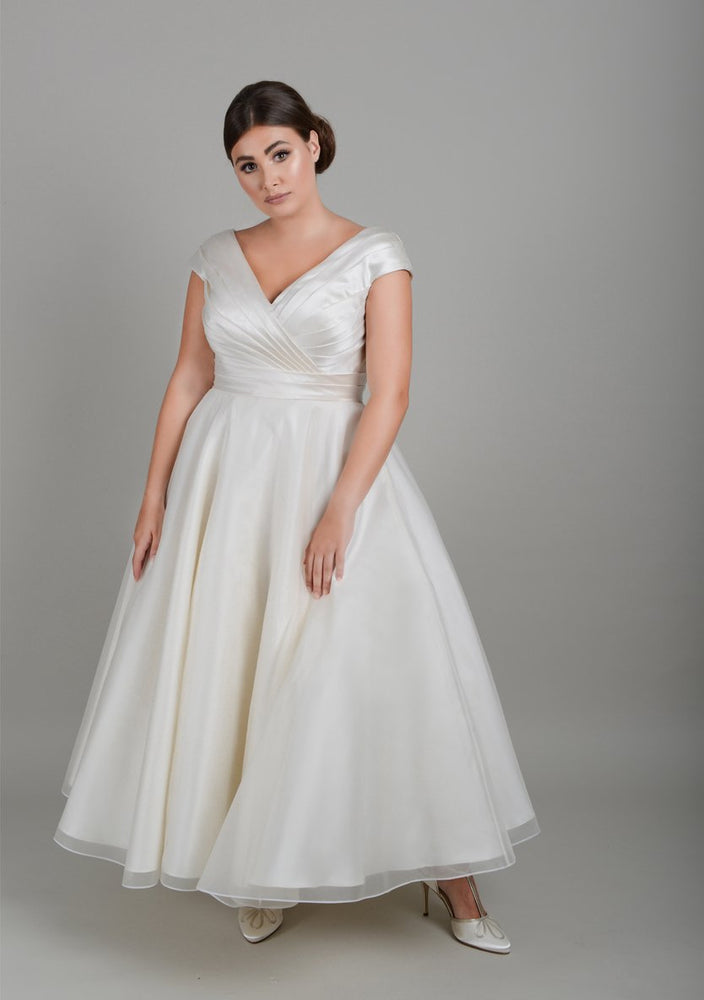 Classic Fifties wedding dress
