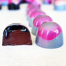 Load image into Gallery viewer, ** SPECIAL ** Wine infused Chocolate Collection (VEGAN, 5pcs, preorder for May-3rd)