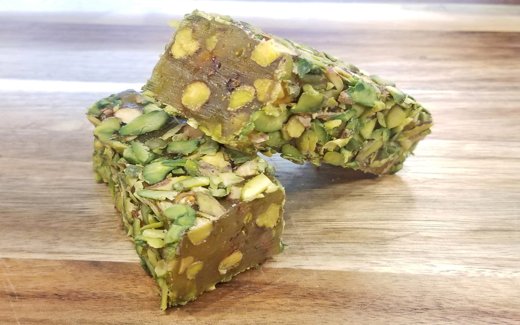 SUJUK WITH PISTACHIO AND HONEY FLAVOR COATED WITH SLICED PISTACHIO