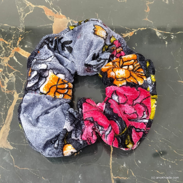 Anokhi Ada Handmade Stylish Velvet Scrunchie for Girls and Women (15-168 Scrunchie)