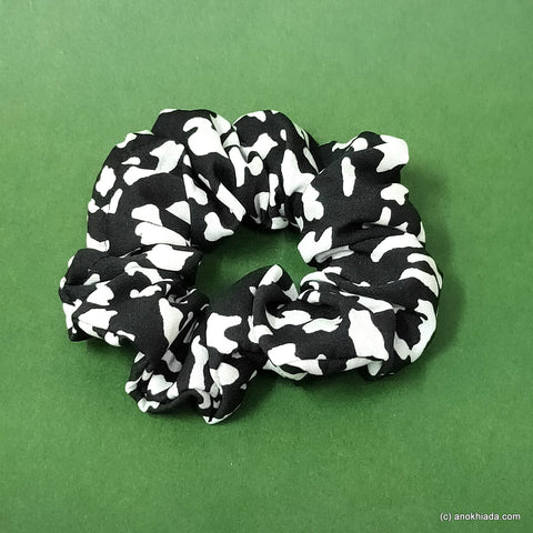 Anokhi Ada Black Satin Scrunchie for Girls and Women (15-48 Scrunchie)