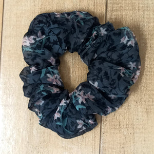 Anokhi Ada Large size Tiger Print Fabric Scrunchie for Girls and Women (15-95 Scrunchie)