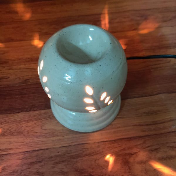 Anokhi Ada Electric Aroma Oil Burner & Tea Light Lamp/Good Quality White Color Ceramic Electric T-Light Lamp & Incense Oil Diffuser For Living Room ( DA-0010 )