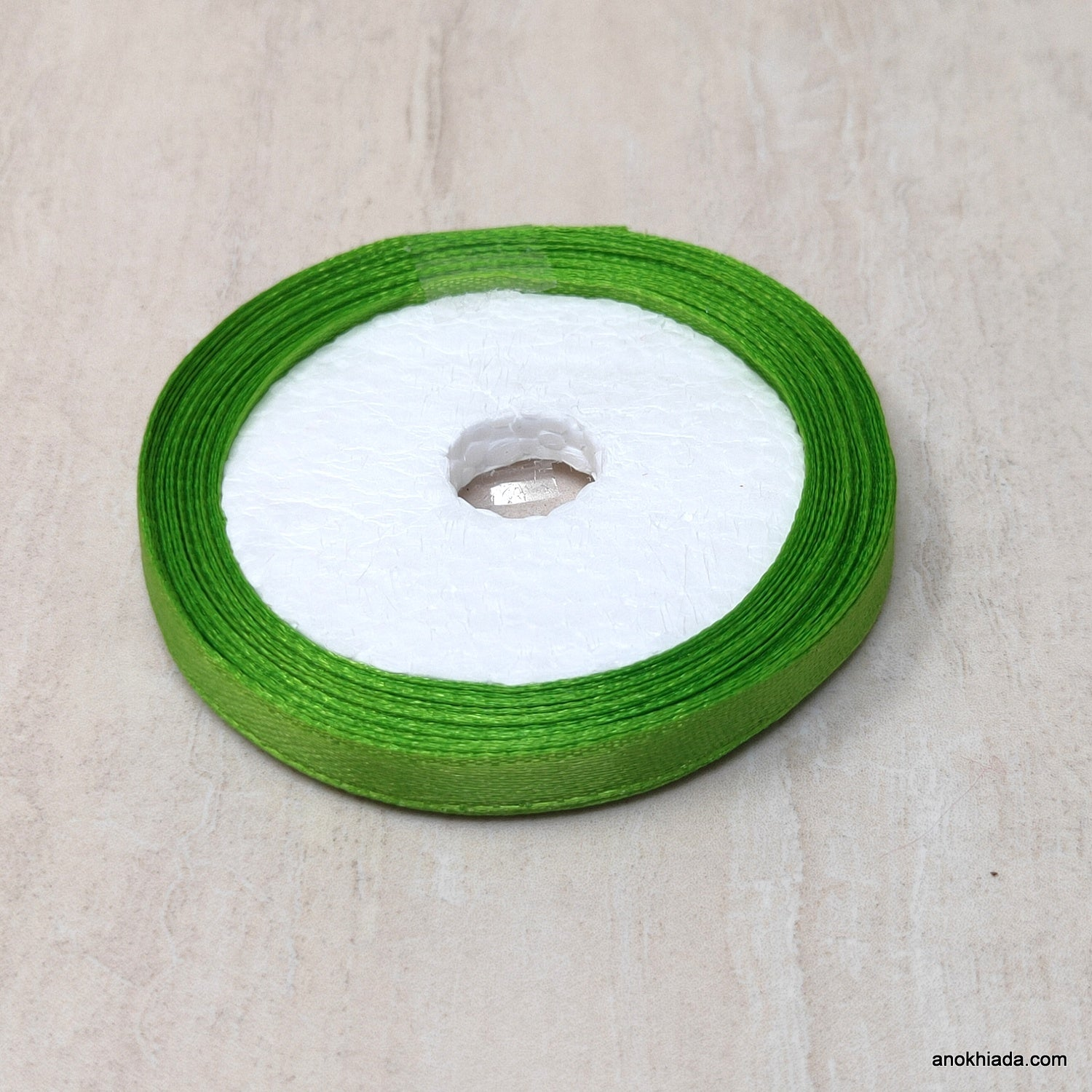 1/4 Inch (6.5 mm) Green Satin Ribbon (031)