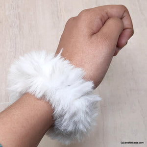 Anokhi Ada Large Size White Fur Scrunchie for Girls and Women (ZG-43 Scrunchie)