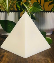 Load image into Gallery viewer, Pyramid Candle Handmade 40 Oz Soy Candle