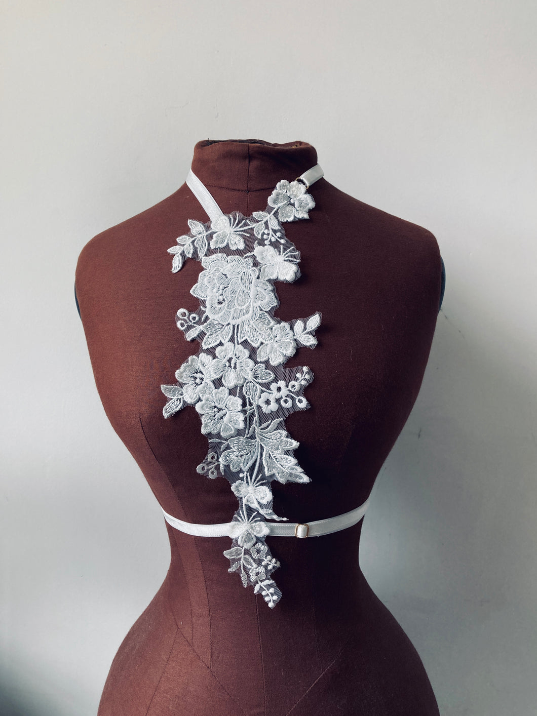 Ivory & Mallow Floral Lace Harness with Pearlescent Beading