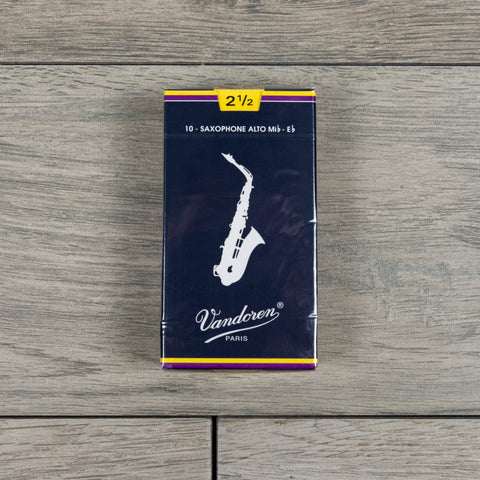 Vandoren Traditional Alto Sax Reeds Strength 2.5 (Box of 10)