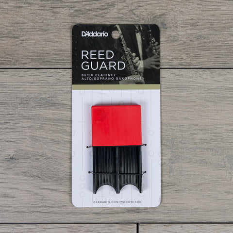 D'Addario Alto Sax/Clarinet Reed Guard in Red (Holds 4 Reeds)