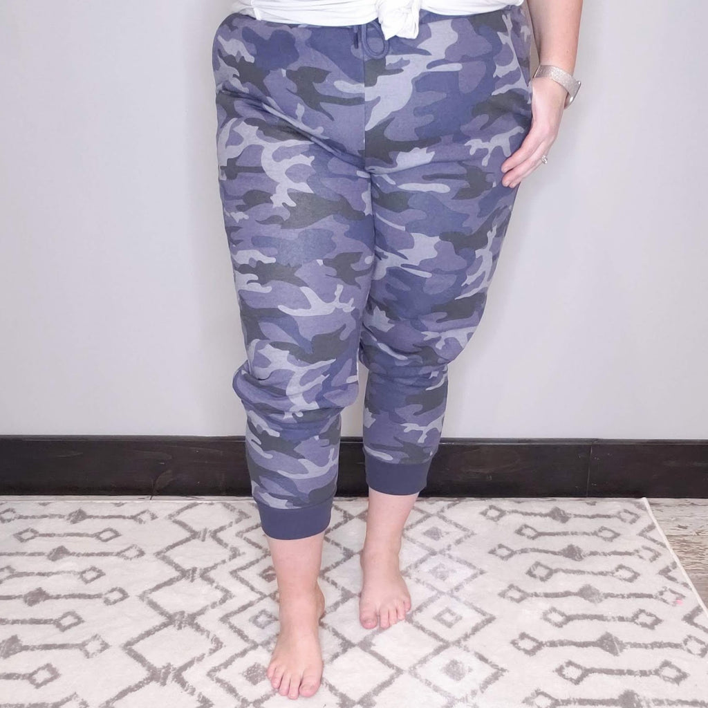 Be Free Camo Printed Joggers - Navy