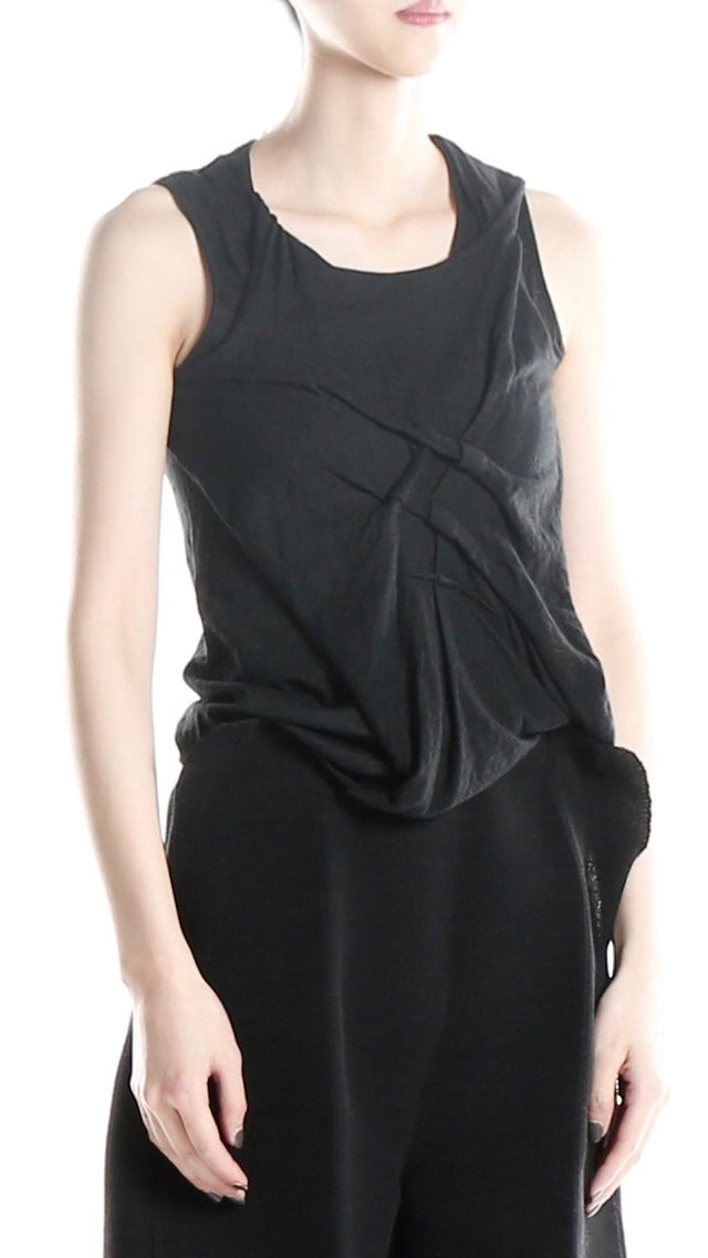 Forme d'expression Twisted Nip Tuck Top in Black
