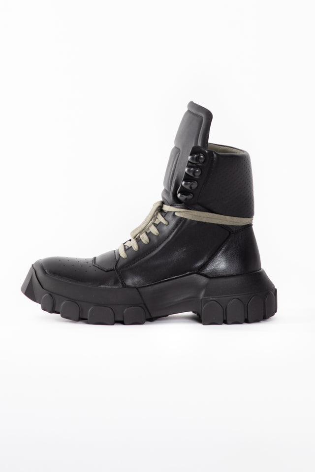 Rick Owens Hiking Leather Boots in Black/Black