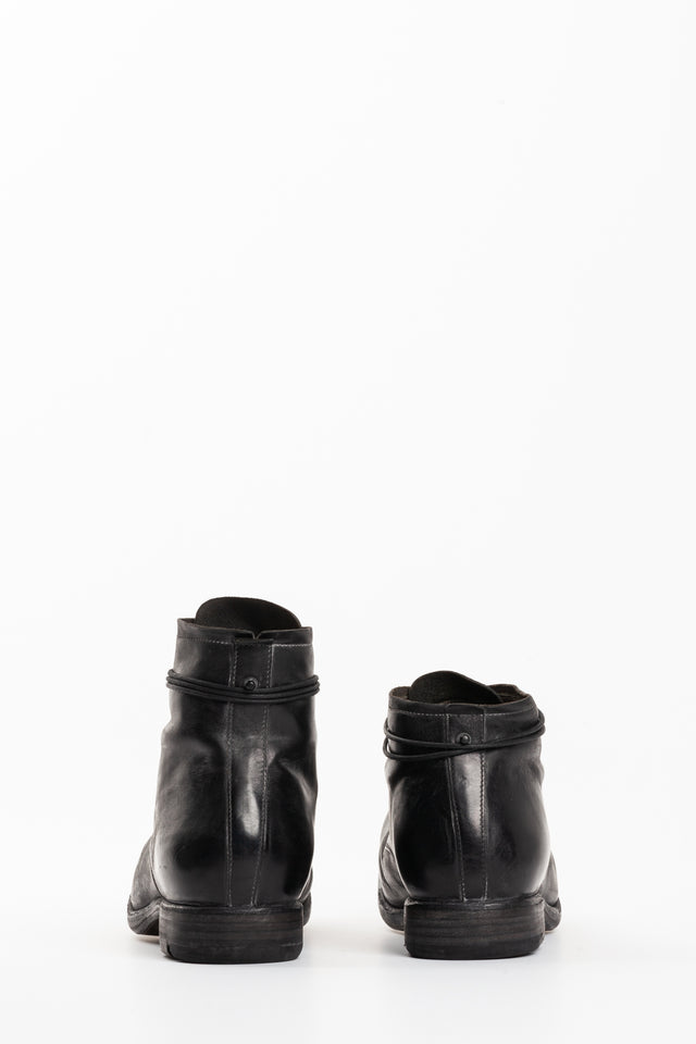 Layer-0 H.10 Horse Boots in Black
