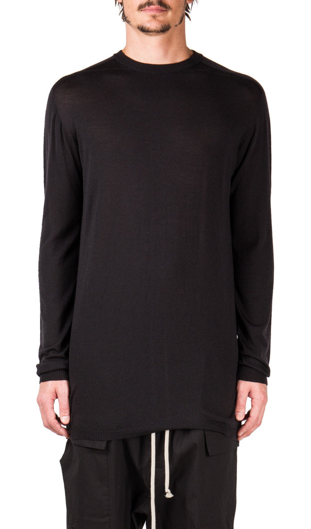 Oversized Round Neck in Black