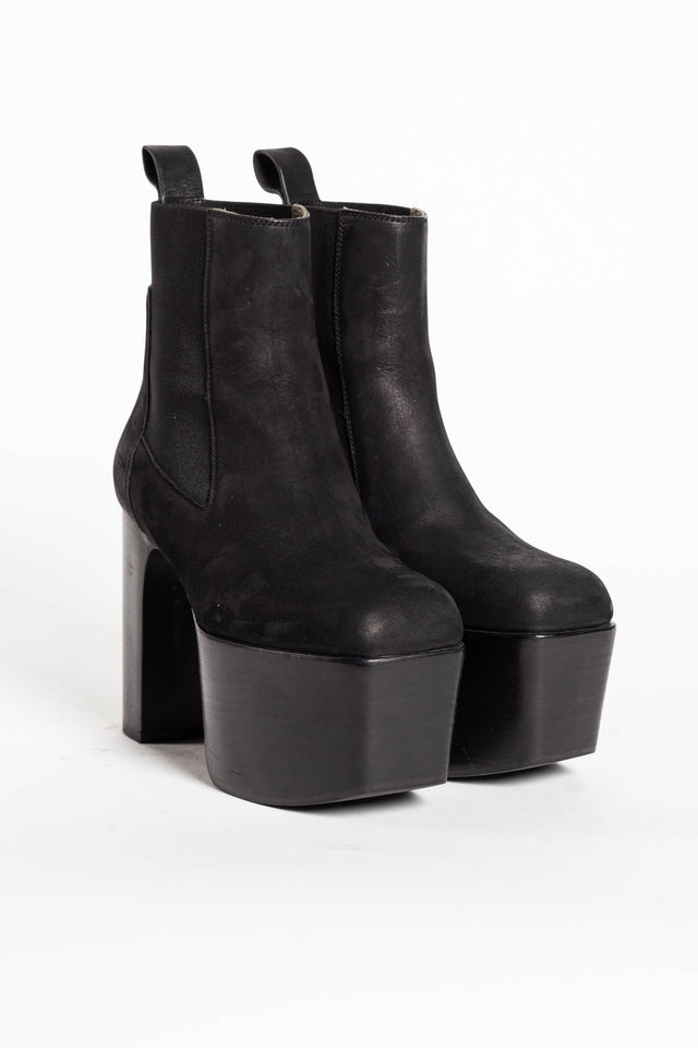 Elastic Kiss Boot
