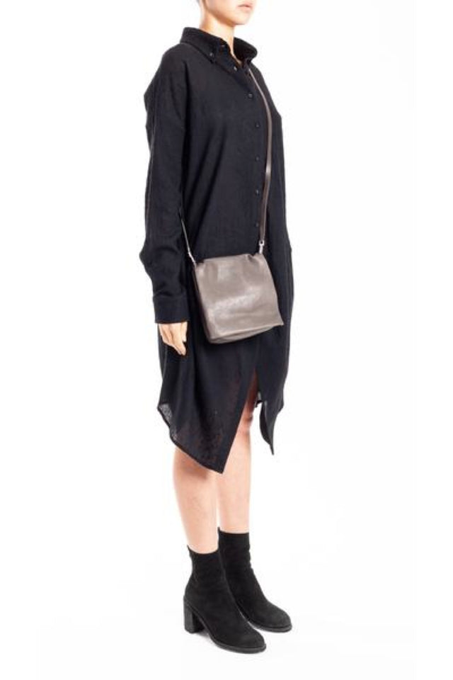 Small Flap Adri Leather Bag in Dark Dust