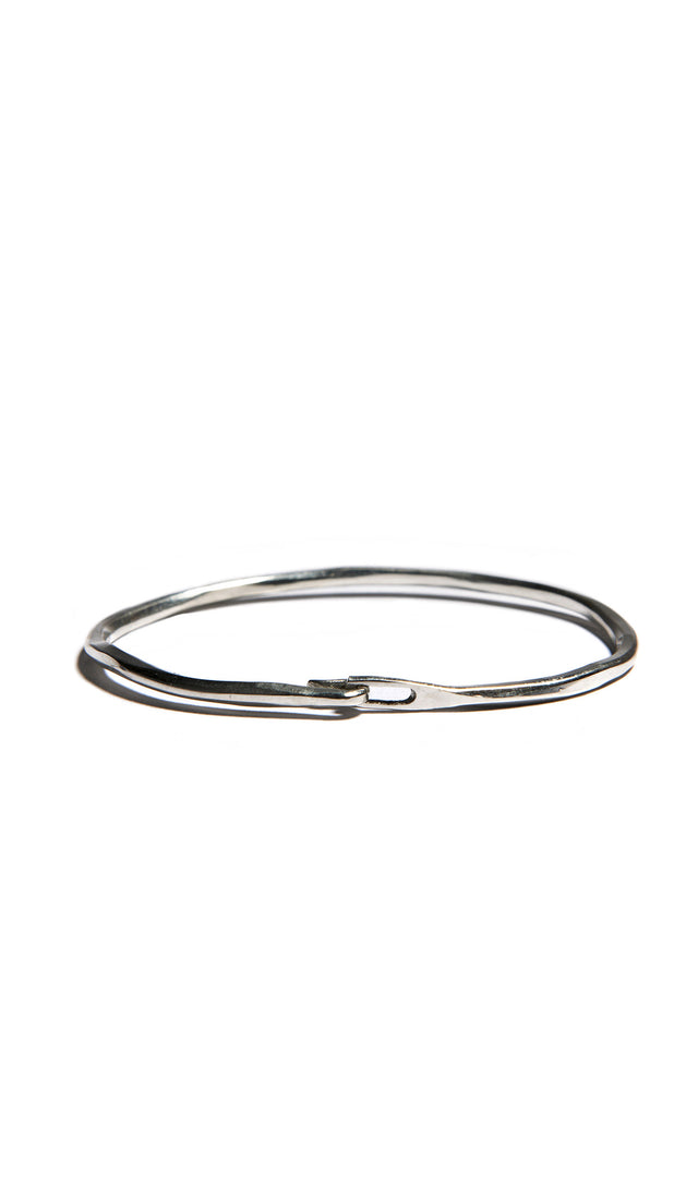 Werkstatt: Munchen Hammered Hook Bangle