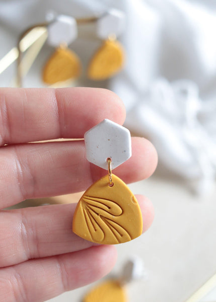 Mellow Yellow Earrings - Petal & Posy