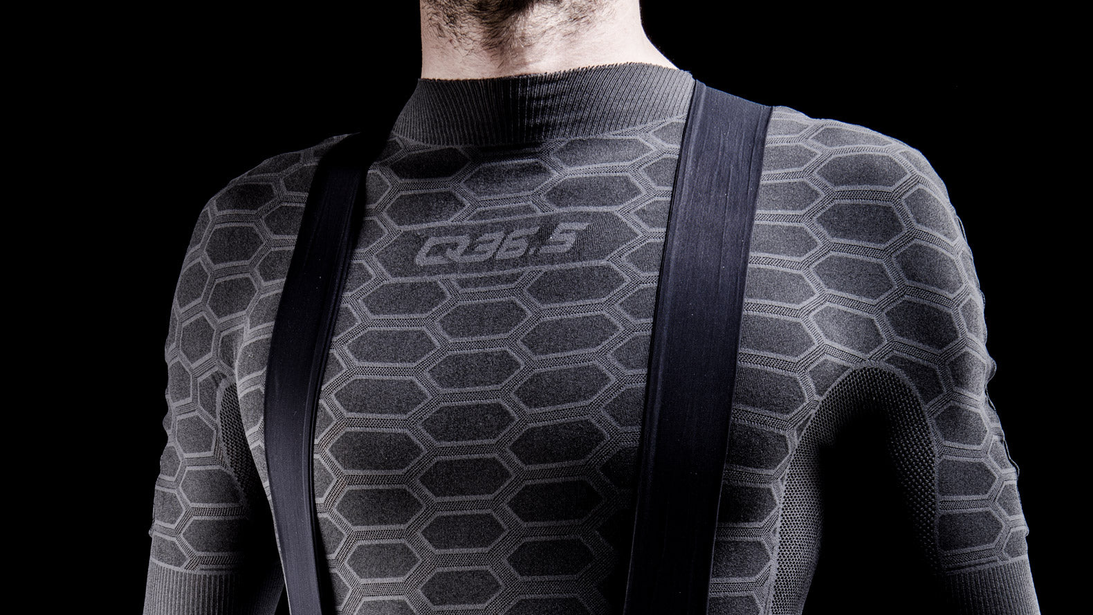 Q36.5 Long Sleeve Cycling Baselayer 3 in Anthracite Black for cold weather riding condtions.