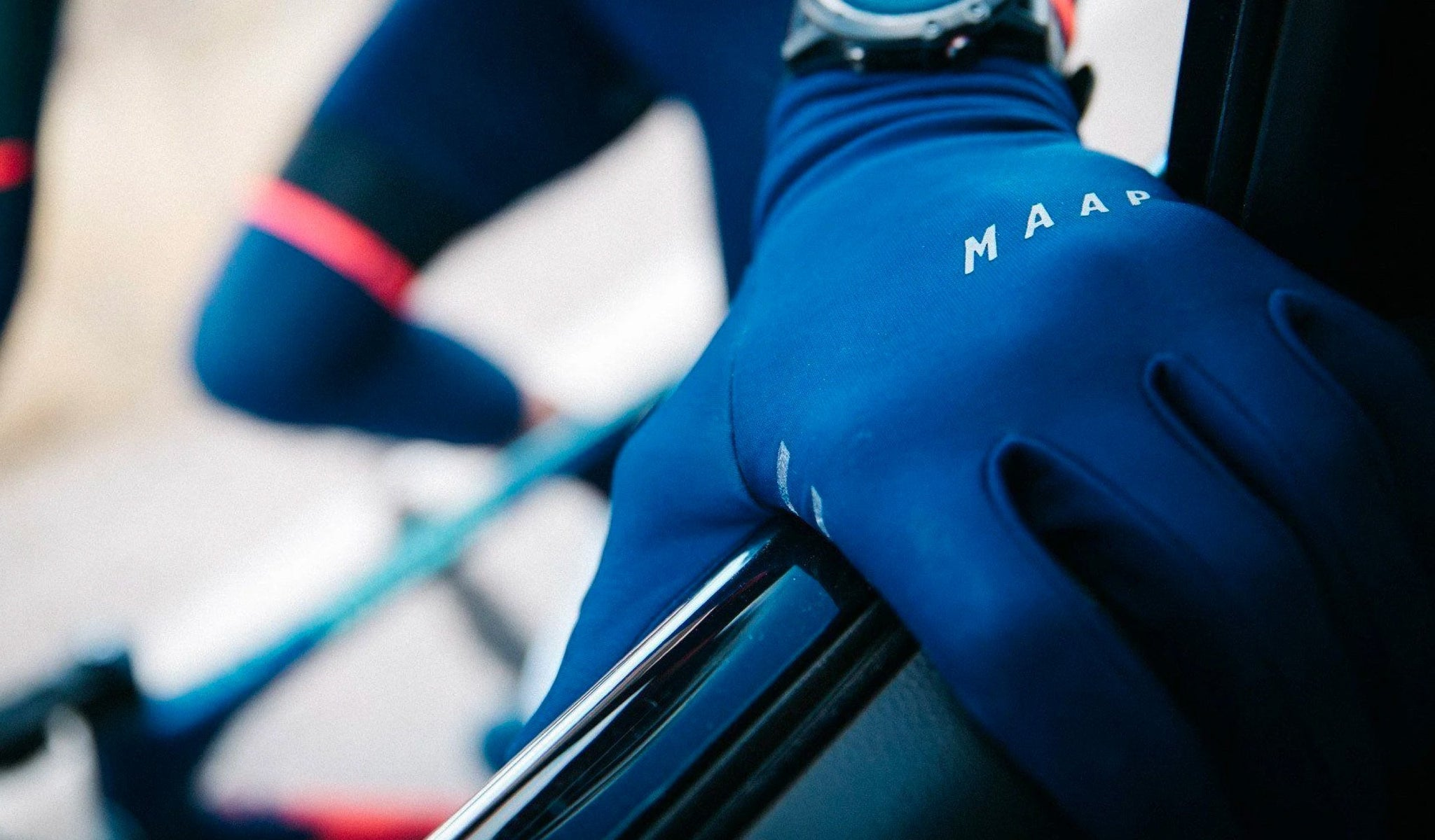 MAAP Base Gloves in Navy are great for cycling in colder mid-season temperatures.